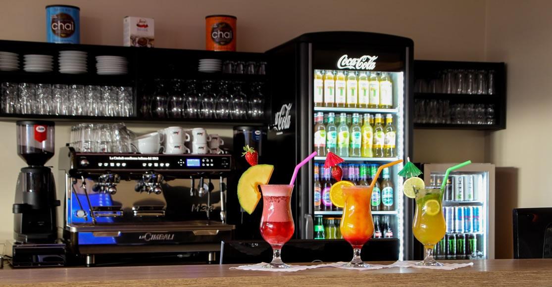 Selbstverständlich gehört auch eine breite Auswahl an Softdrinks zu unserem Angebot.
